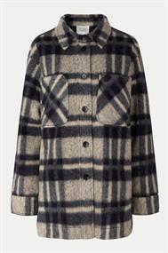 SECOND FEMALE Gillian/jacket